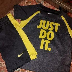 Nike toddler short set 🔥